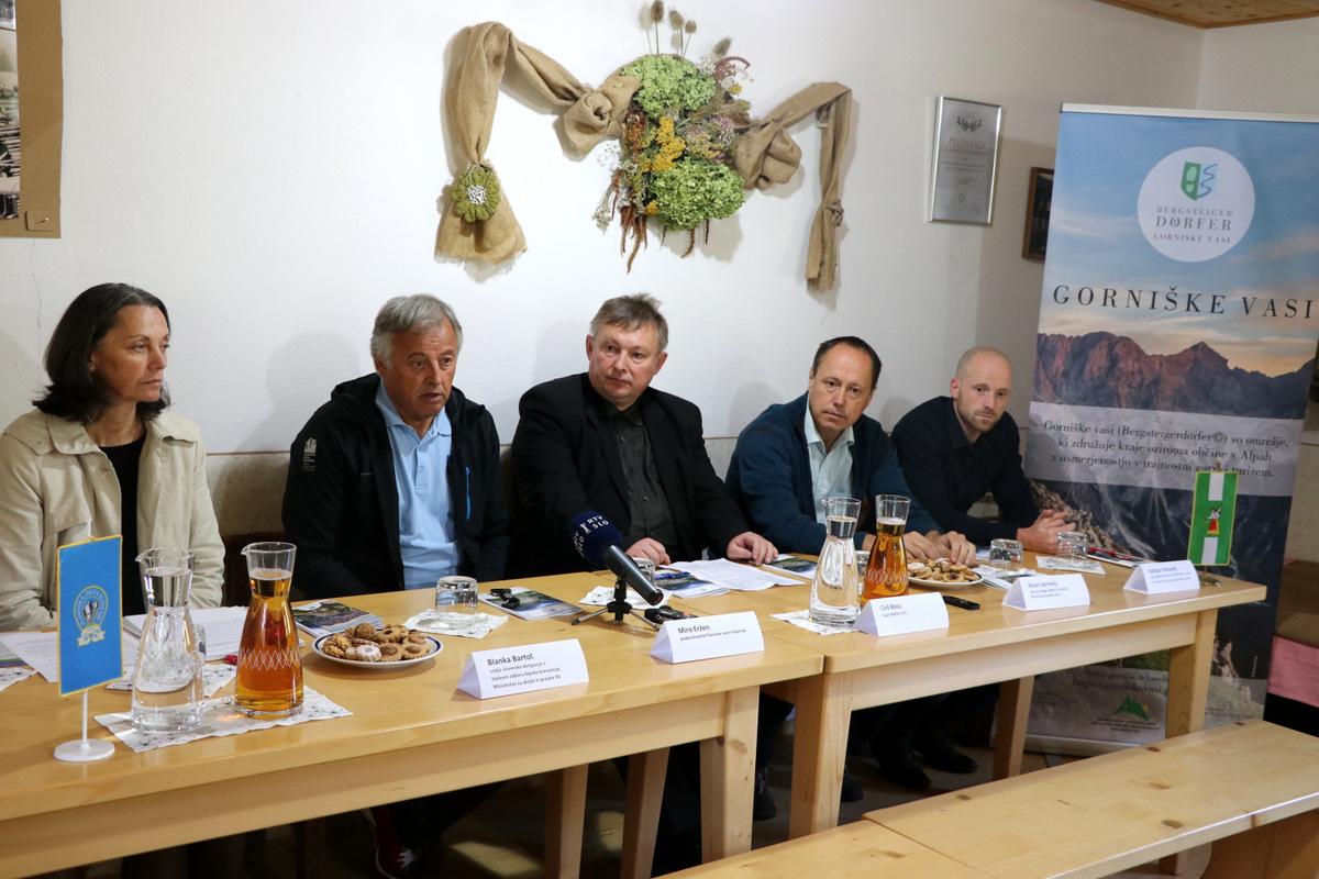 luce_gorniske_vasi_nov_konferenca_foto_manca_ogrin