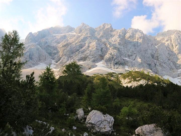 Naj_planinska_pot_2021_je_Koro_ka_Rinka_s_Kranjske_ko_e_na_Ledinah_Foto_Irena_Mu_i__Habjan